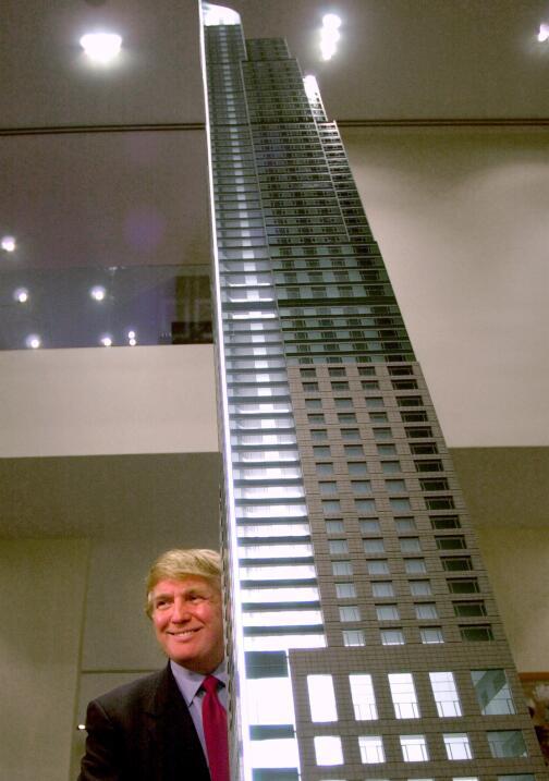 Magnate del negocio inmobiliario, Donald J. Trump presenta el modelo del...