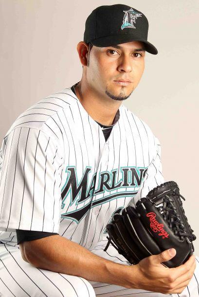 El lanzador de los Marlins de Florida, Aníbal Sánchez, lanzó juego de un...