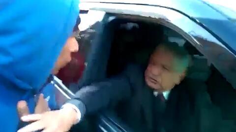 """En video: López Obrador llama """"provocador"""" a uno de los padres de Ayotzi..."""