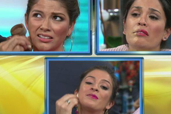 Así es que sus compañeras se prestaron para ser maquilladas.