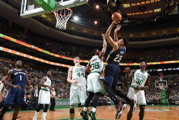 12 de Enero - Pelicans (18-19) pierden 100 - 108 con Celtics (13-23). Ja...