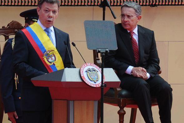 Santos asumió el poder el pasado 7 de agosto, su antecesor Alvaro Uribe...