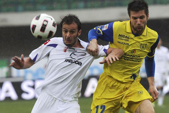 Mientras tanto, la Fiorentina visitó al Chievo en Verona en busca de rob...