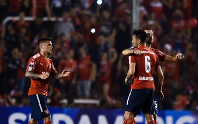 Emmanuel Gigliotti y Maximiliano Meza marcaron para Independiente