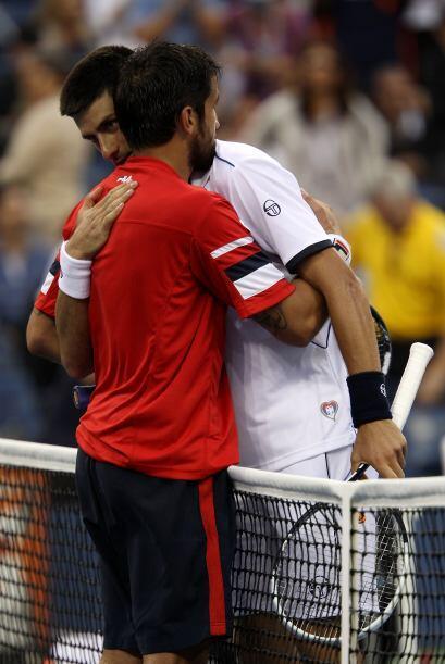 Novak Djokovic[1] derrotó su compatriotaJanko Tipsarevic 7(7)-6(2), 6(3...