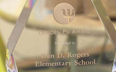 Escuela primaria Dan D. Rogers, premiada por implementar técnicas educat...