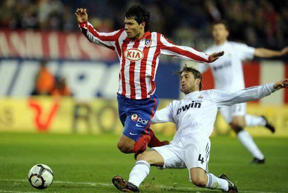 Sergio Ramos hizo esta falta sobre Agüero y vio la roja directa.