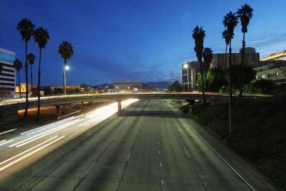 Estampas de las autopistas 10 y 110 principales distribuidores de la ciu...