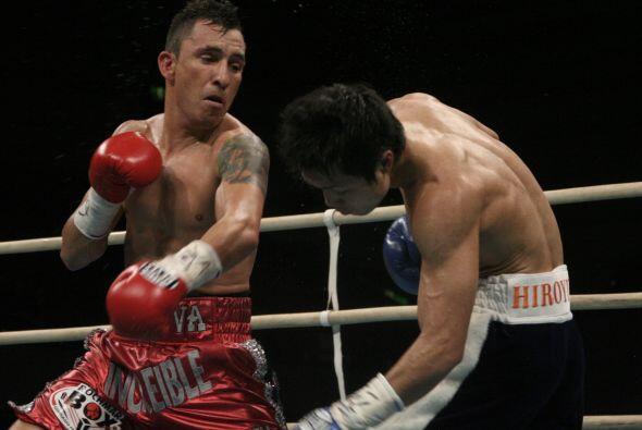 Hugo Cázares fincó así su tercera defensa exitosa del cinturón que ganó...
