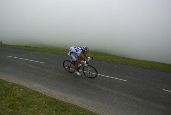 ¡Qué difícil ha de ser practicar el ciclismo con ese clima!