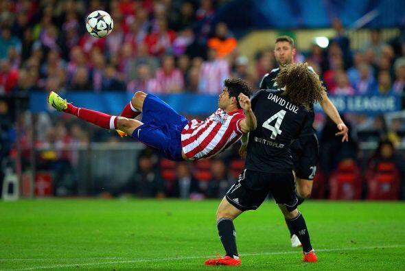 Diego Costa intentó todo tipo de aproximaciones, incluyendo un par de bi...