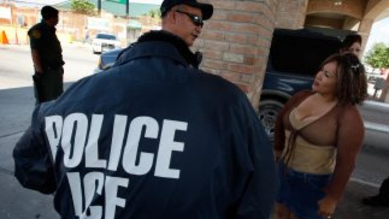 La Agencia de Inmigraci'on y Aduanas (ICE) ha deportado a casi 1 millón...