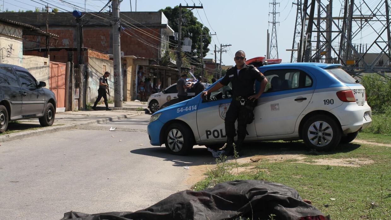La tasa de resolución de crímenes en la Baixada Fluminense en 2016 fue d...