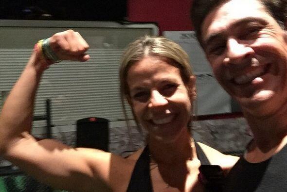 """""""Acabando de hacer ejercicios con la entrenadora @adrianamartinfit #dest..."""