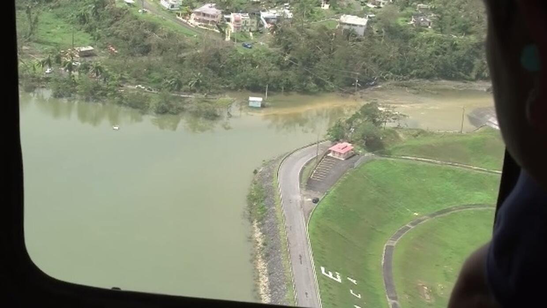 Un recorrido aéreo del gobernador Ricardo Rosselló con equipos de manejo...