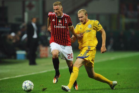 Los 'rossoneri' no tuvieron problemas y resolvieron el partido.