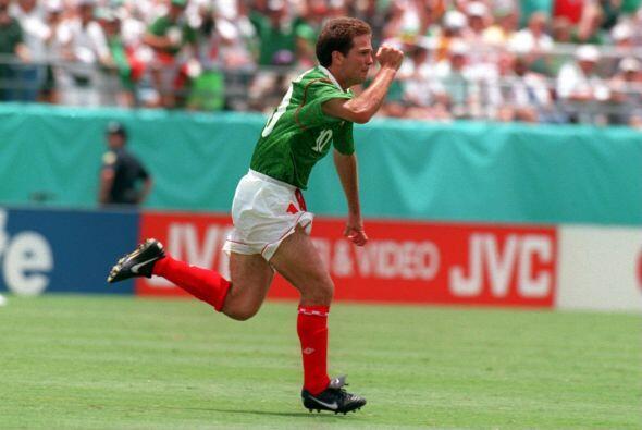 Y gracias al doblete que realizó Luis García, México consiguió sus prime...