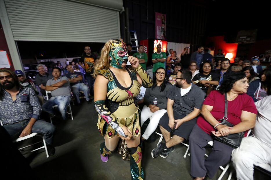 'Amazona', una luchadora tijuanense que cada fin de semana pelea en el s...