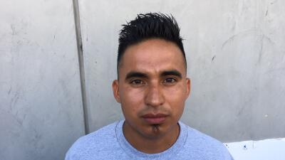 """""""Me bañaron con gas pimienta y agua hirviendo"""": demandan el centro de detención de ICE más grande de California"""