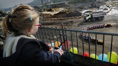 El Volvo FMX controlado por una niña de 4 años