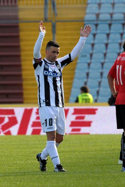 Finalmente, el ataque se completa con el también italian Antonio Di Natale.
