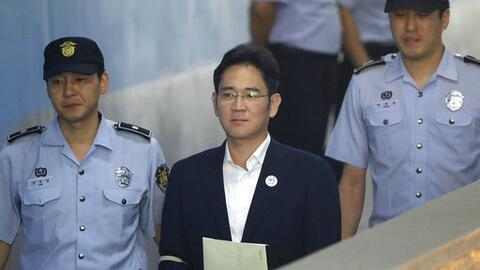 Lee Jae-yong, vicepresidente de Samsung Electronics Co., fue acusado de...