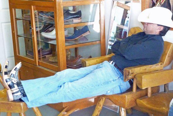 Fernando estaba tan cómodo que se sintió como en casa...