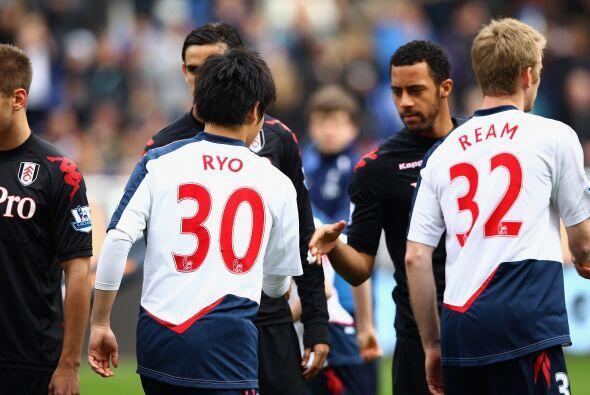 Fulham le ganó al Bolton con una amplia diferencia.