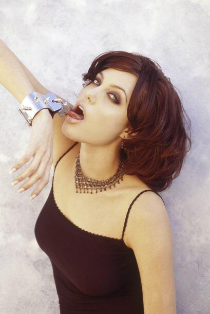 Pero algo dulce encontró Angelina Jolie que no dejaba de besar su brasal...