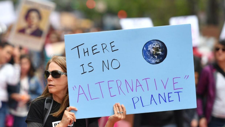"""""""No hay un planeta alternativo"""", reza una de las pancartas uti..."""