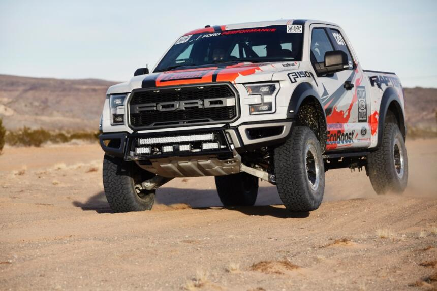 "Ford F-150 Raptor 2017 llega a ""Best in the Desert"" Raptor-Action-50-C1.jpg"