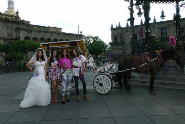 Ellas ya están lista para acompañar mañana a Ana y a Luis en su boda, ¿y...