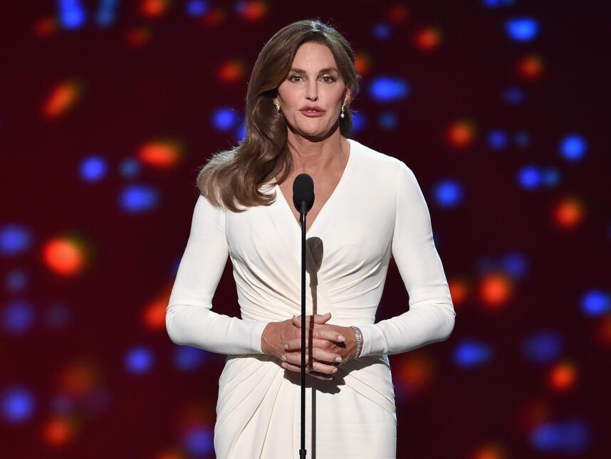 Caitlyn Jenner con su vestido blanco durante los ESPYs.