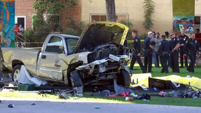 La camioneta cayó sobre un grupo de personas en el parque Chicano.