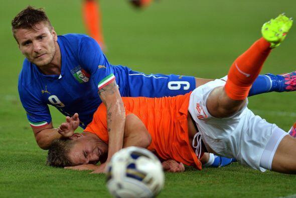 Italia derrotó 2-0 a Holanda.