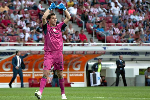 En el sector defensivo parece que Santos lleva un poco más de ventaja co...