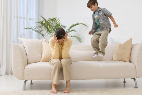 Cuando un padre piensa que cubrir las necesidades básicas de sus hijos e...