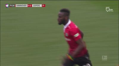 Hannover quiere vender caro la derrota y coloca el marcador 2-1 ante los Red Bulls