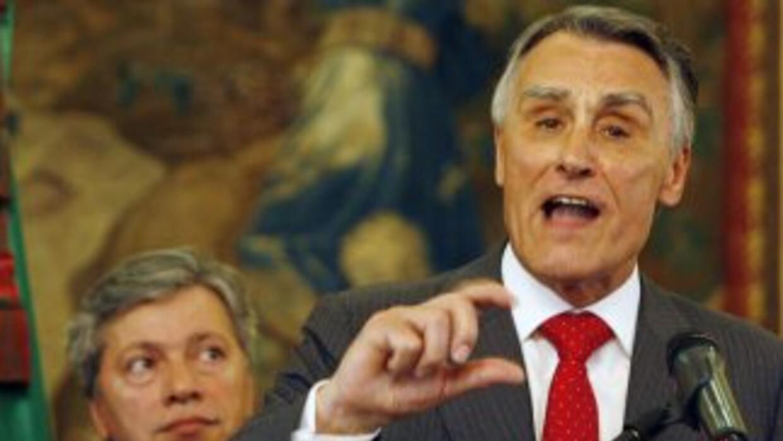 El actual presidente, Aníbal Cavaco Silva, es favorito para ganar los co...
