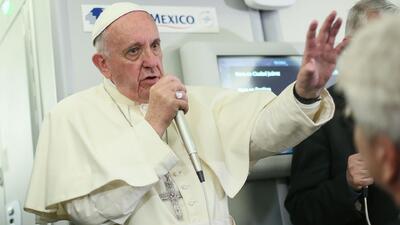 """Papa sugiere que Trump """"no es cristiano"""""""