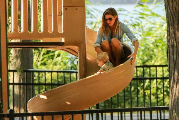 Y se ve que en esto de los juegos en los parques, Giselle Bundchen tiene...