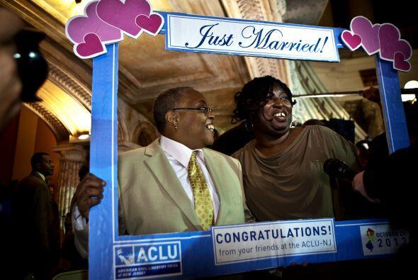 La ley exige solicitar una licencia de matrimonio con al menos 72 horas...