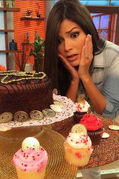 El jueves 12 de febrero, Ana estaba tentada a comerse un delicioso cupcake.