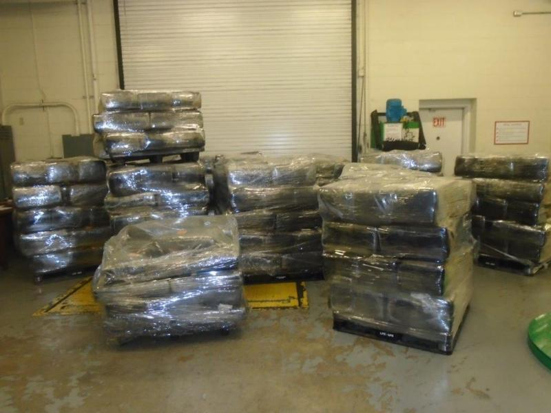Inspectores aduanales en Laredo, Texas, detectaron casi 9,000 libras de...