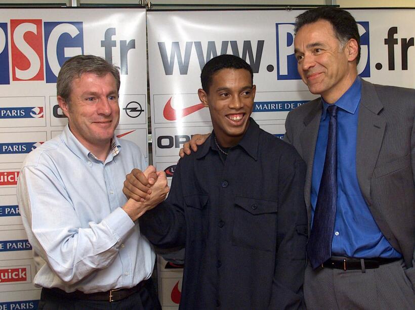 En el 2001, recién llegado al Paris Saint-Germain, entró en los registro...