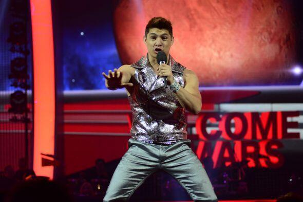 """El cubano luego interpretó """"Humanos a Marte"""", lo nuevo..."""