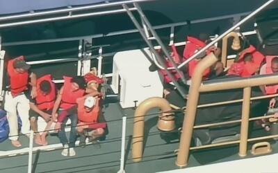 Australia acogerá a los balseros cubanos del faro en condición de refugi...