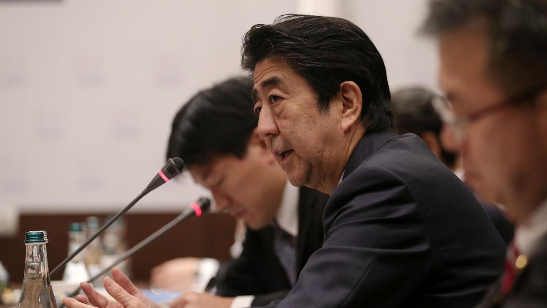 """La """"doctrina Trump"""" parece tener confundido al primer ministro de Japón,..."""
