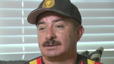Este padre hispano se juega 'el partido' más complicado de su vida: su futuro en Estados Unidos