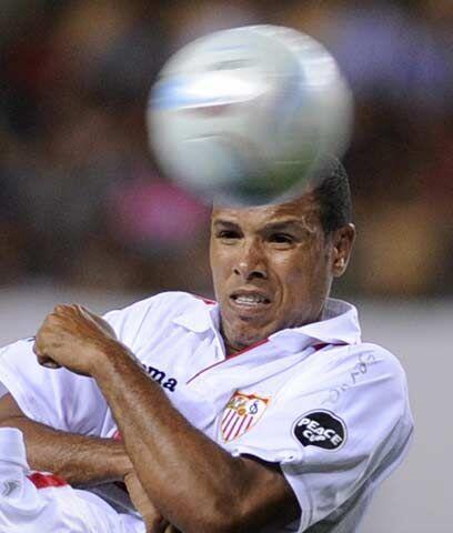 Sevilla intactoTambién le costó al Sevilla mantener su plantilla, en esp...